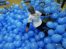 Skateboarding a 5001 balónků ve hře