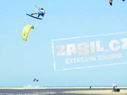 Laci Kobulský a jeho snowboardovokiteboardový profil :-)