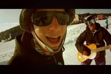 Ve snowparku na Moravské boudě si můžete k jízdě objednat živou hudbu
