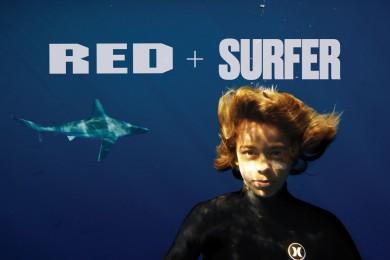Mladý surfingový zabiják