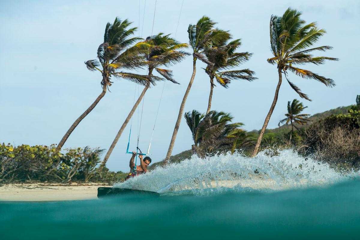 Pirát z Karibiku alias kiteboarder Laci Kobulský