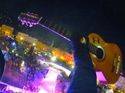 Skok s kytarou v podání Honzy Kaňůrka